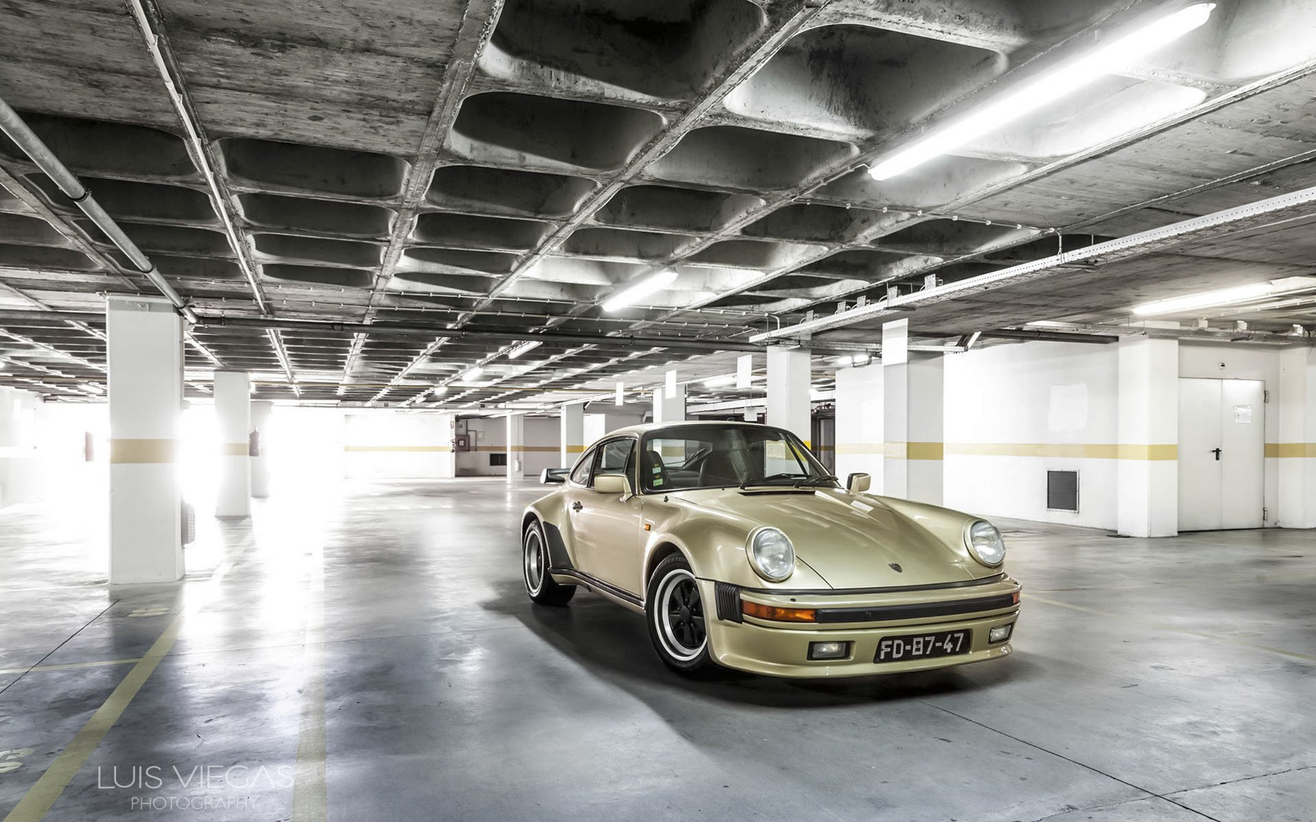Porsche_930_-_increased_power.jpg