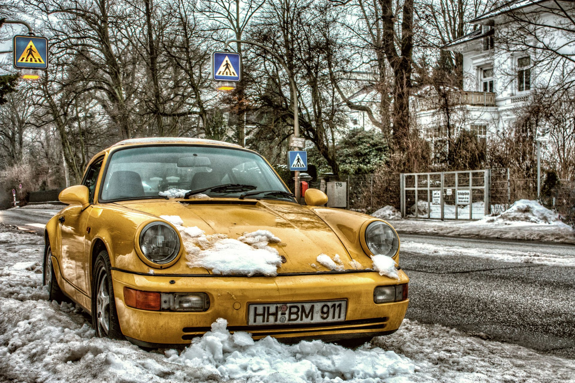 Porsche_964_-_Hamburg_-_Winter.jpg